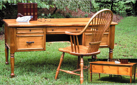Southern Pine Savannah Desk - Colonial Maple