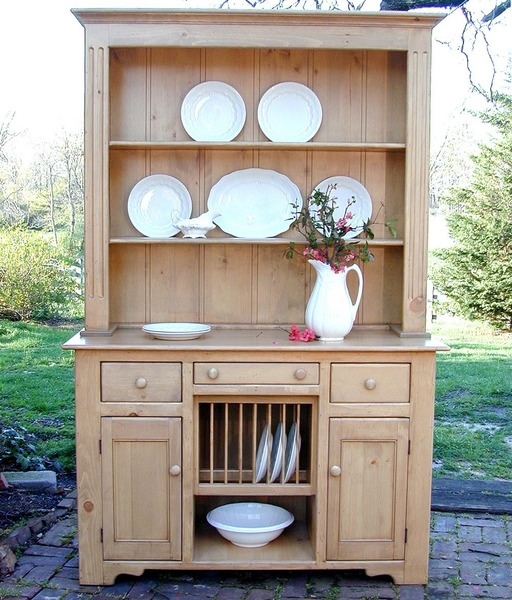 Southern Pine Delaware Plate Hutch