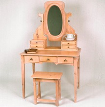 Southern Pine Dressing Table w/ Vanity and Stool