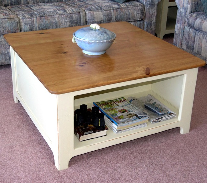 Southern Pine Kinsley Coffee Table