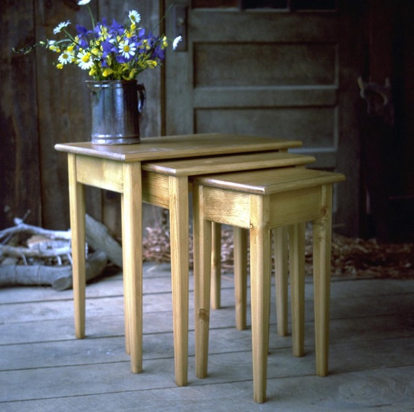 Southern Pine Nesting Tables