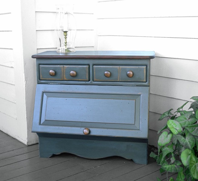Southern Pine Walton Sugar Chest