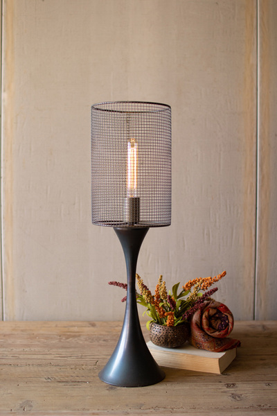 Tabletop Lamp With Metal Base And Wire Mesh Shade