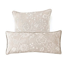 Mano rHouse Decorative Pillows