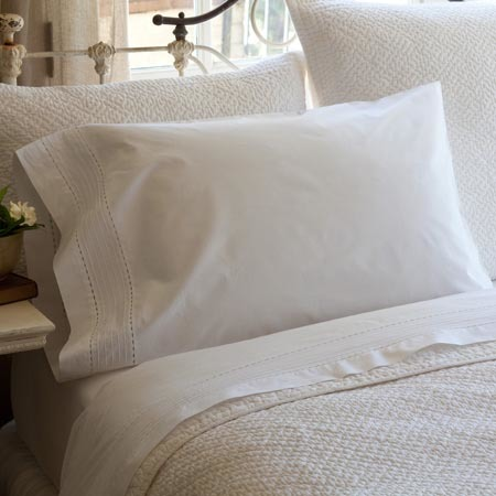 Pinefore tailored White pillowcase