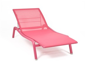 Alize Adjustable & Stackable Sunlounger