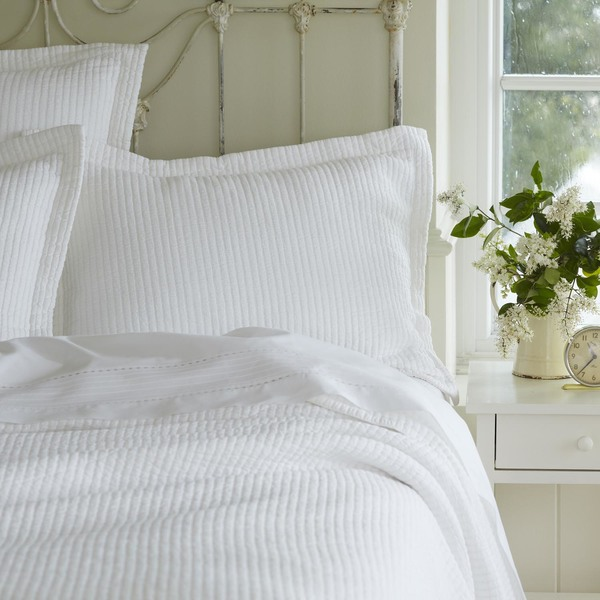 Taylor Linens Hudson White Matelasse Quilt | American Country : matelasse quilt - Adamdwight.com